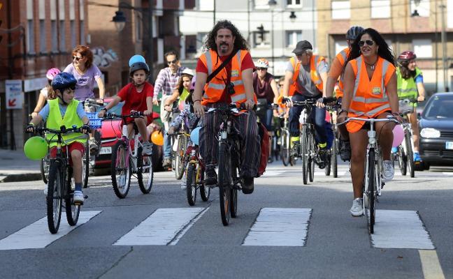 Diez años a pedales para dar visibilidad a la bicicleta