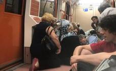 Pánico en el Metro de Madrid tras un disparo con una pistola de fogueo en una pelea de dos jóvenes