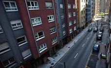 La Policía de Avilés impide el suicidio de una mujer chilena en la calle Llano Ponte