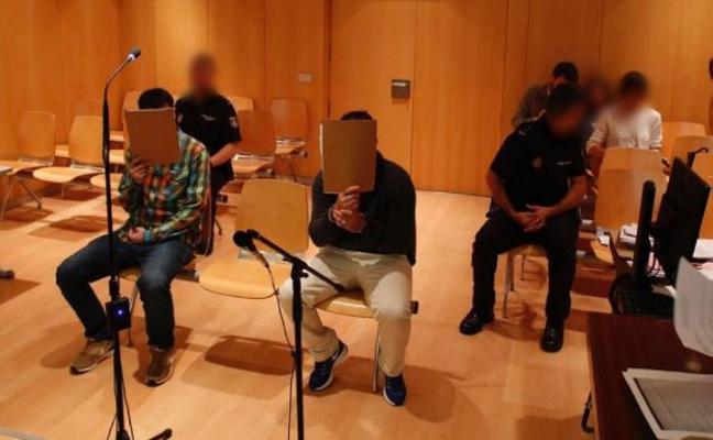 Condenados a tres años y medio de cárcel los ladrones de cinco chalés en Salinas