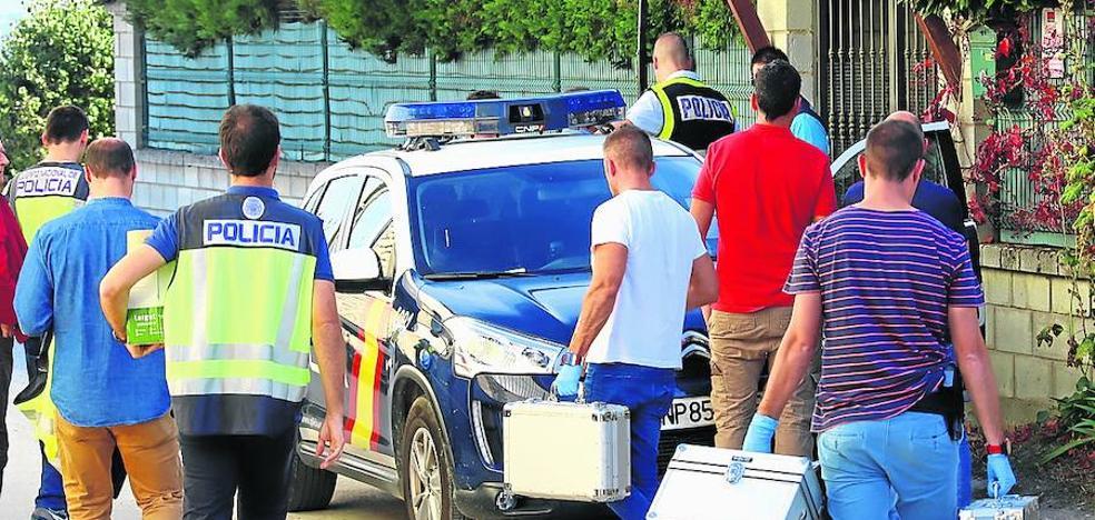 El marido de Ana Jiménez la mató en casa y la trasladó quince kilómetros en coche