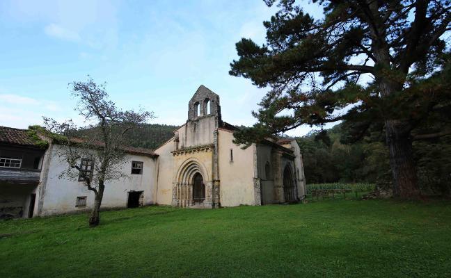 Llanes impulsa la «recuperación» del monasterio de San Antolín de Bedón