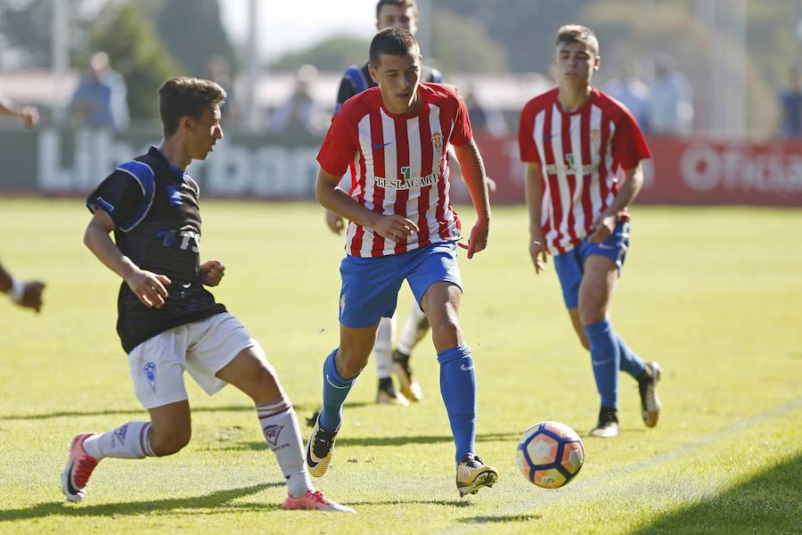 Las mejores imágenes del choque entre el Sporting juvenil y el TSK Roces