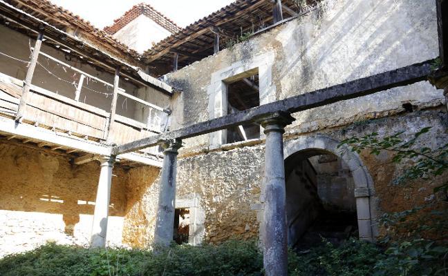 El anuncio para vender el Palacio de Celles indigna al gobierno de Siero