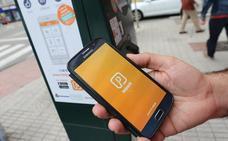 El uso del móvil para pagar la zona azul se duplica en cinco meses