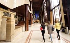 La arquitecta de Edificios comparece en comisión por su informe del Auditorio