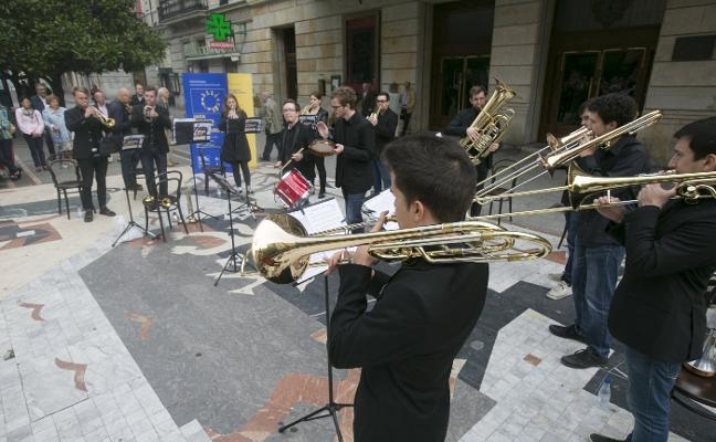 La Joven Orquesta de la UE hace doblete