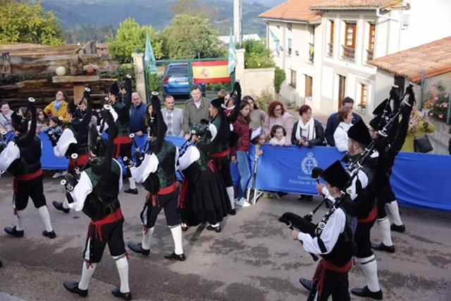 Poreñu celebra el Pueblo Ejemplar 2017 con tradición y asturianía