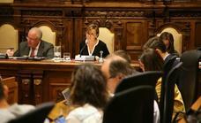 La oposición afea a Moriyón su «improvisación» y los incumplimientos plenarios