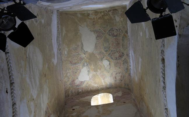 Restaurar las pinturas de San Miguel de Lillo costará un millón de euros