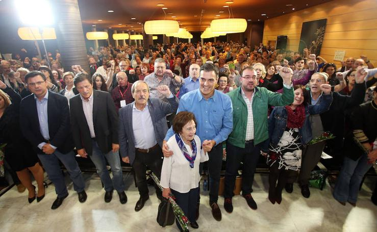 Cataluña centra del discurso de Pedro Sánchez en la Fiesta de la Rosa en Oviedo