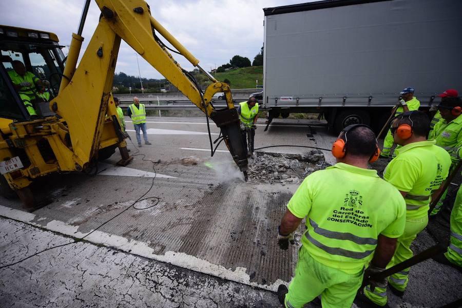Retenciones en la autovía del Cantábrico por obras en Montico