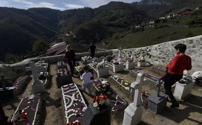 Bandujo, el cementerio asturiano de las tumbas sin nombre