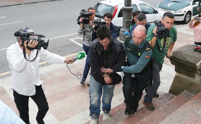El atracador arrestado declara que fue a Cangas de Onís «engañado»