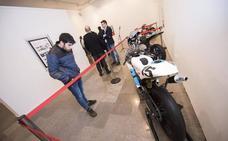 Una exposición recorre en Oviedo los logros de la Universidad en MotoStudent