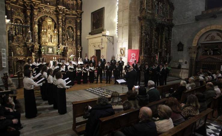 Las imágenes del concierto del Coro Juvenil del Orfeón Donostiarra y el Joven Coro de la Fundación Princesa de Asturias