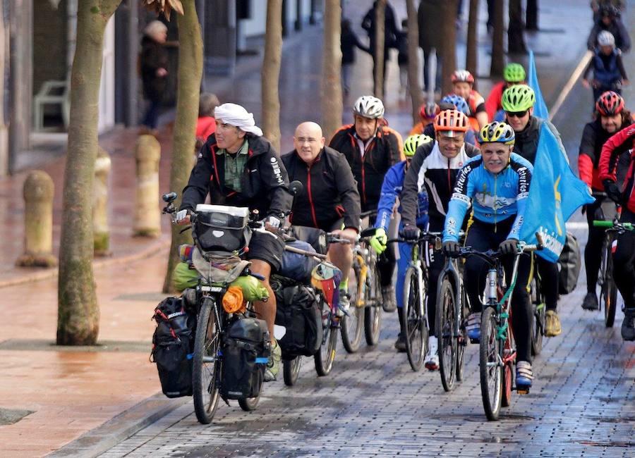Trece años recorriendo el mundo en bicicleta