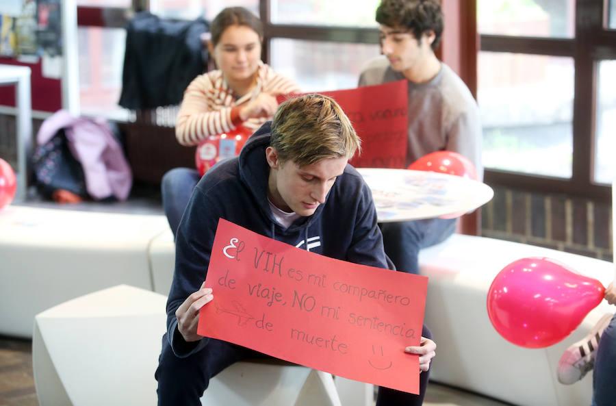 Mannequin challenge en la Factultad de Medicina por la lucha contra el sida