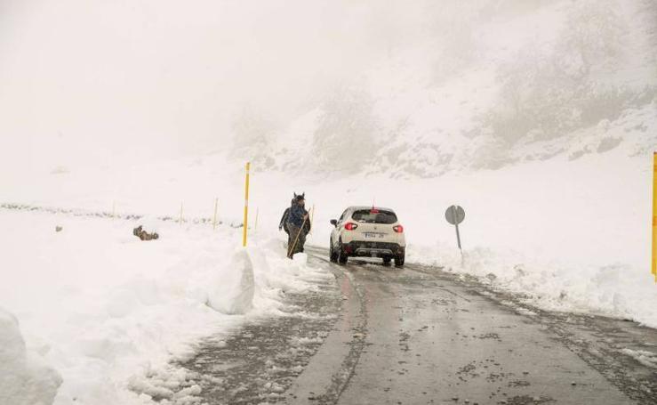 Asturias continúa en alerta por el temporal
