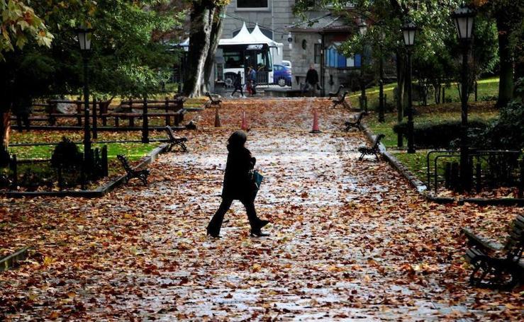 Las imagenes que deja el mal tiempo en Oviedo