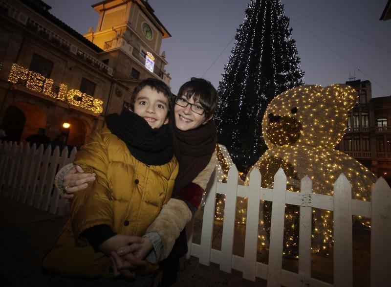 Oviedo ilumina su Navidad