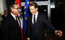 La ultraderecha llega al Gobierno en Austria y renuncia a un referéndum de salida de la UE