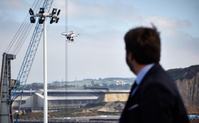 El Puerto de Avilés podrá utilizar drones para controlar los acopios de mercancías