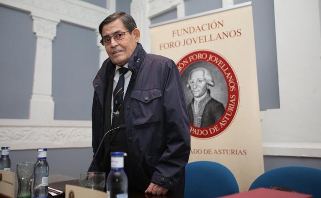 Muere el catedrático Moisés Llordén, impulsor de la Extensión Universitaria