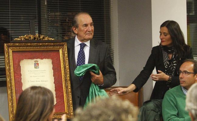 «La gente, su belleza y el entorno hacen que lleve 50 años viviendo en Castrillón»