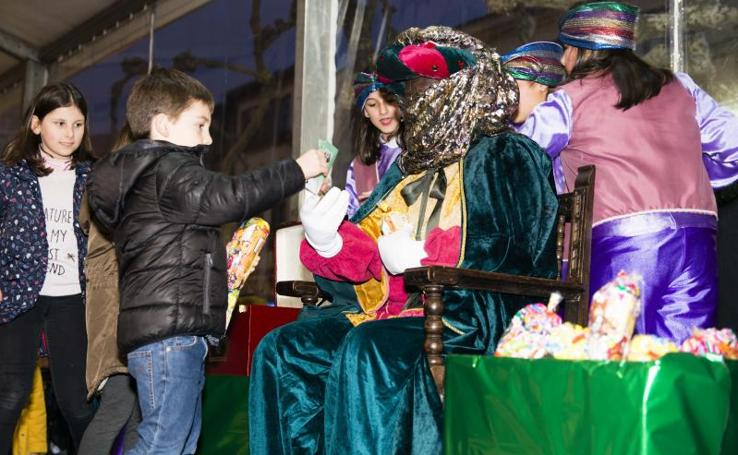 El príncipe Aliatar visita Ribadesella