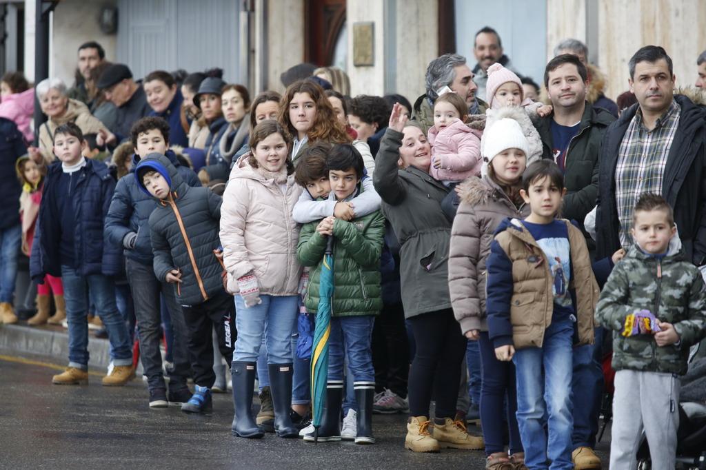 ¿Estuviste en la llegada de los Reyes Magos a Gijón? ¡Búscate en las fotos! (2)