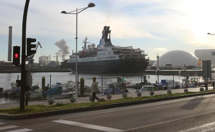 El temporal trae al crucero Saga Pearl II a Avilés