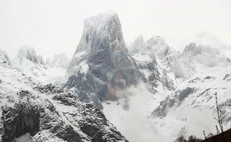 Las grandes imágenes que deja el temporal en Asturias