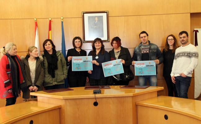 El restaurante La Arisueña, de Candás, gana el concurso de escaparates del antroxu