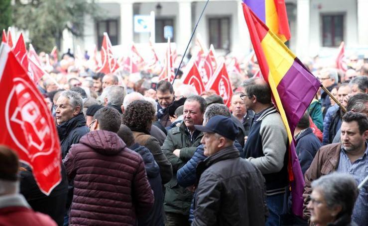 Manifestación de pensionistas y jubilados en Asturias