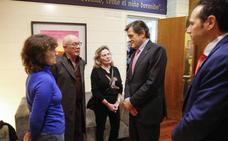 «Asturias le debe una gran exposición»