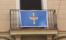 Pasión sportinguista en plena guerra de banderas en Barcelona