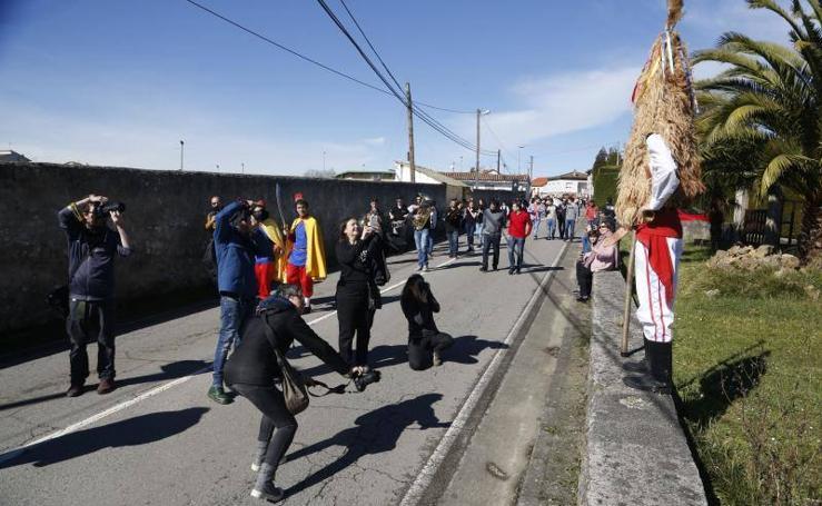 Desfile de mascaradas de invierno en Valdesoto