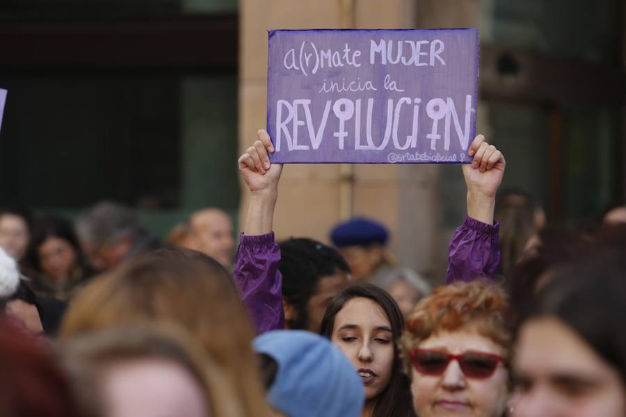 Gijón secunda un día de unión de las mujeres