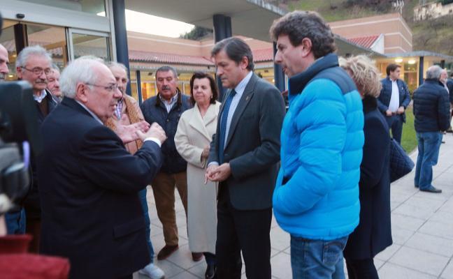 El emocionado adiós de Javier Fernández a Misael Férnández Porrón: «Era un tipo estupendo»