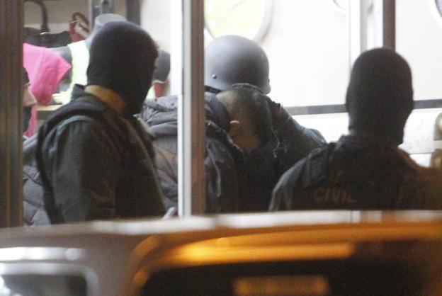 5d2fa0463983 Atrapados en Gijón cuando abrían la cámara acorazada de una joyería ...