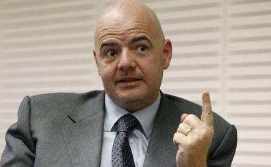 Infantino: «Lo que queremos hacer con el VAR es evitar errores clamorosos de los árbitros»