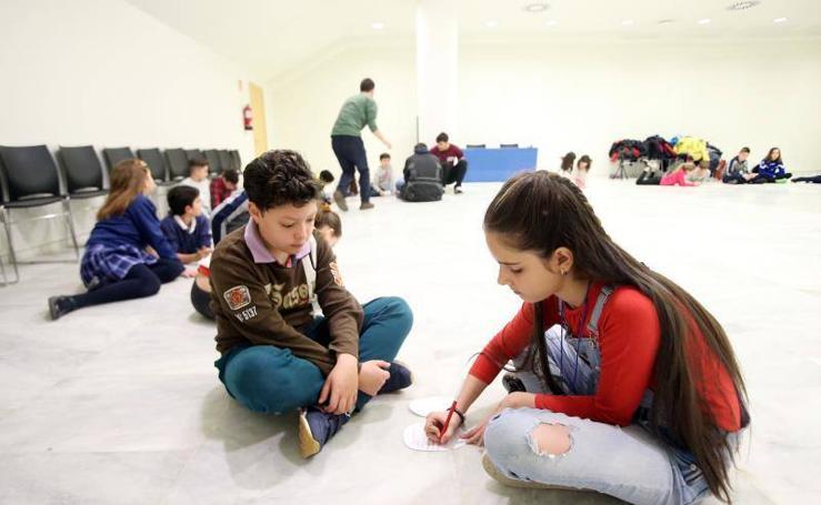 Las imágenes del consejo escolar de niños y niñas en Oviedo
