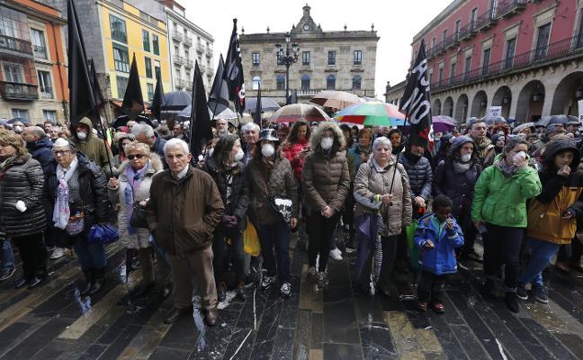Colectivos sociales y vecinales de toda Asturias se unen contra la contaminación en Gijón