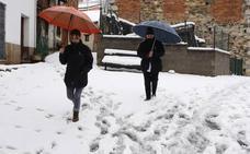 El tiempo en Asturias | El Huerna reabierto para camiones, que siguen sin poder circular por Pajares