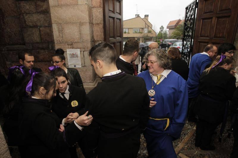 La lluvia obliga a suspender las procesiones del Domingo de Ramos