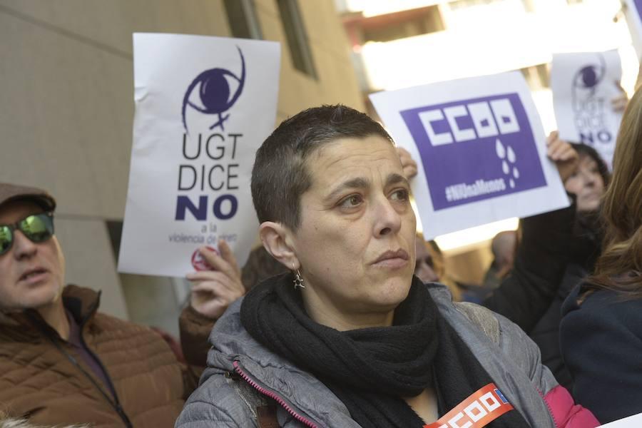 Concentración de repulsa a la violencia machista en Oviedo