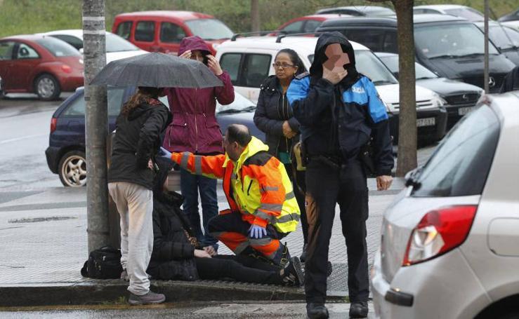 Impresionante choque de dos vehículos en Gijón