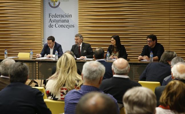 Los alcaldes asturianos critican el decreto del superávit: «Es una engañifla de Montoro»