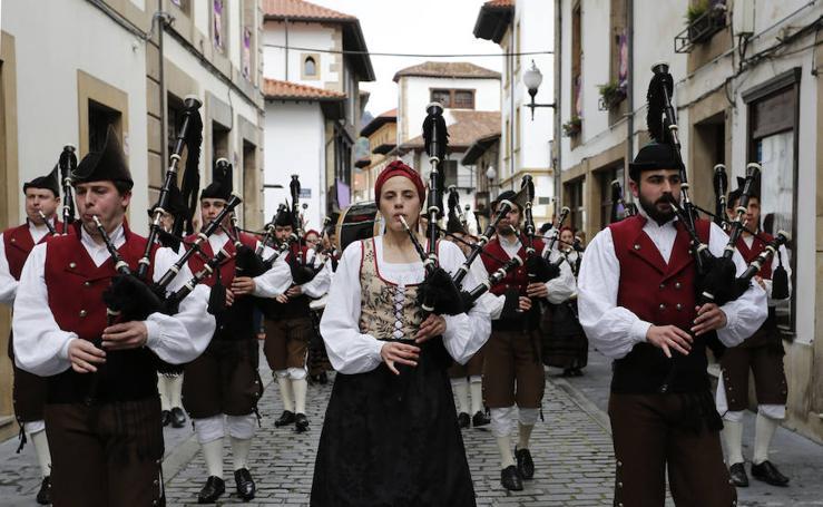 Las imágenes de la procesión del Resucitado en Villaviciosa